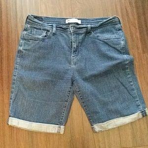 Levi's Bermuda shorts size 14